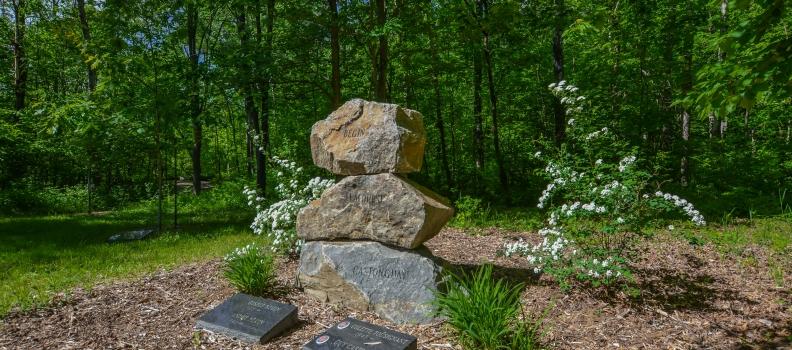 Mieux comprendre les frais d'entretien d'un cimetière
